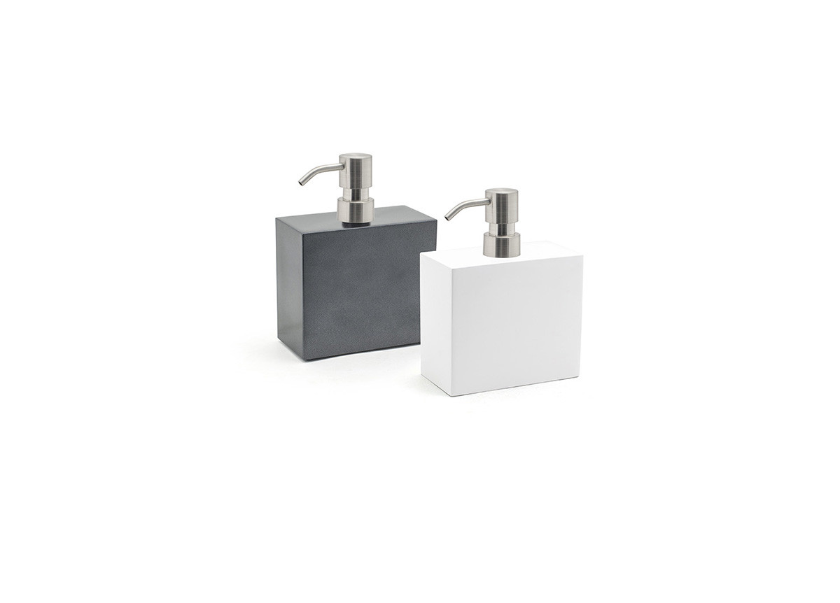 28oz New York Soap Pump - with Mirrored Stainless Top