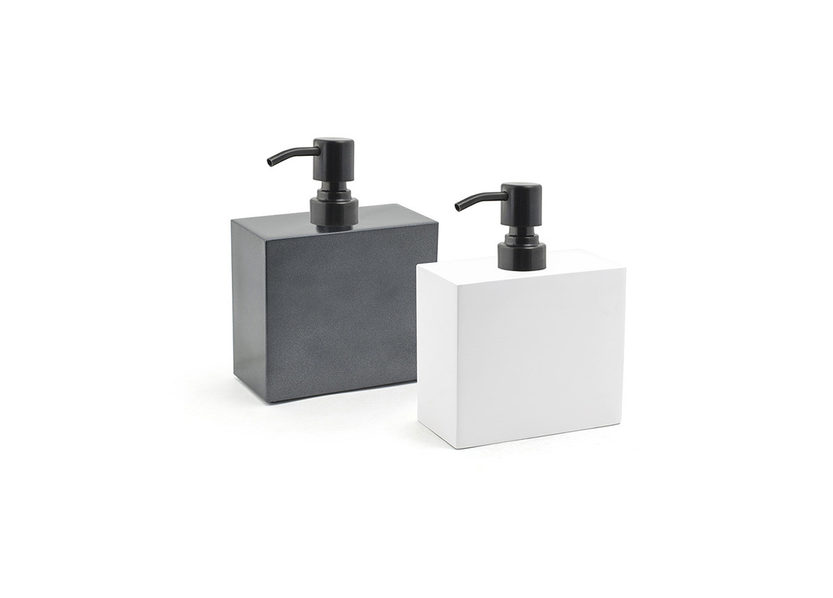 28oz New York Soap Pump - with Matte Black Pump