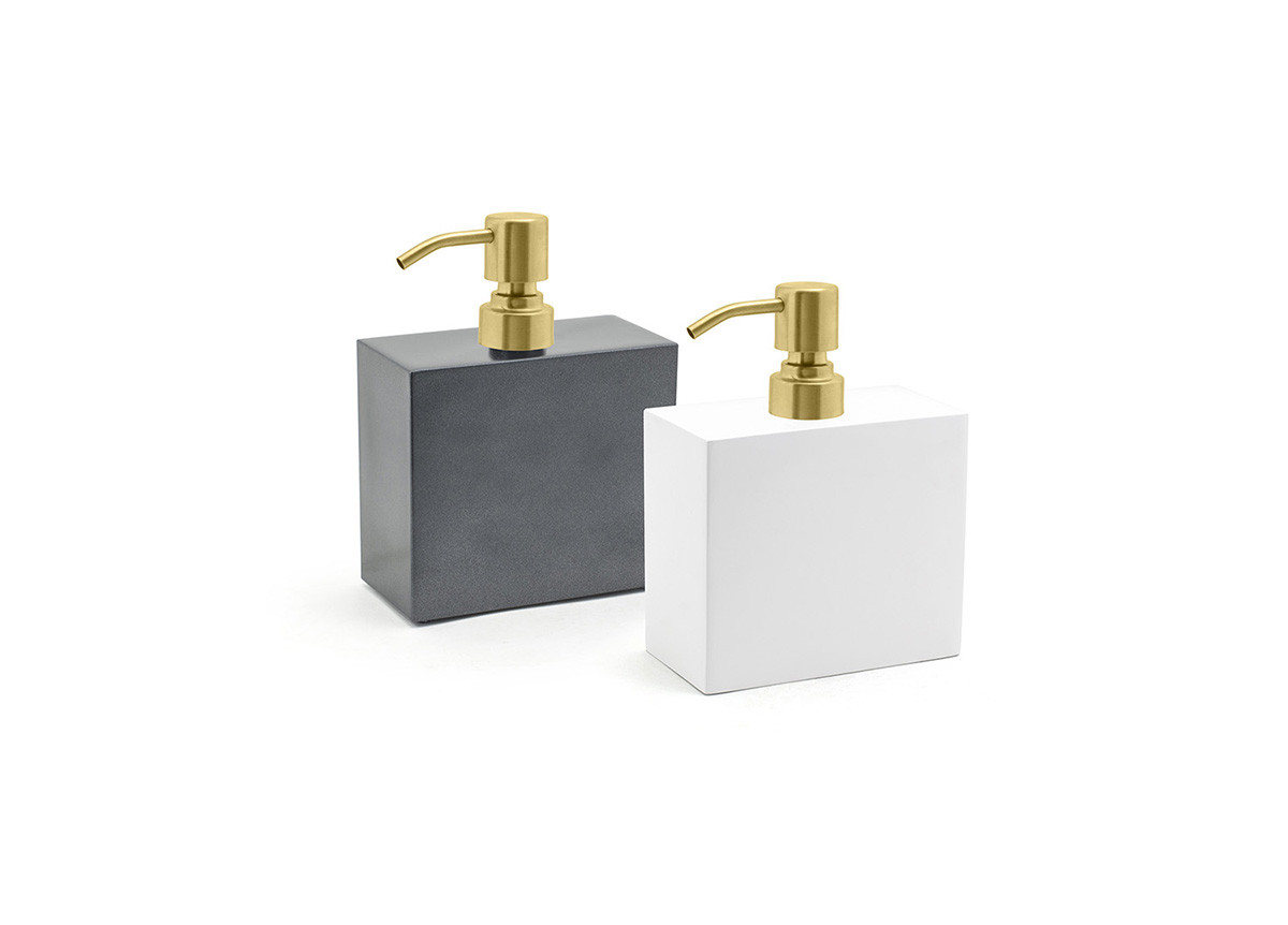 28oz New York Soap Pump - with Matte Brass Pump
